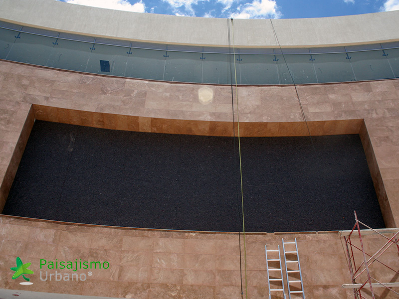 img-jardines-verticales-centro-comercial-quito-ecuador-5