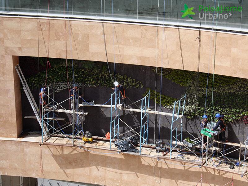 img-jardines-verticales-centro-comercial-quito-ecuador-7
