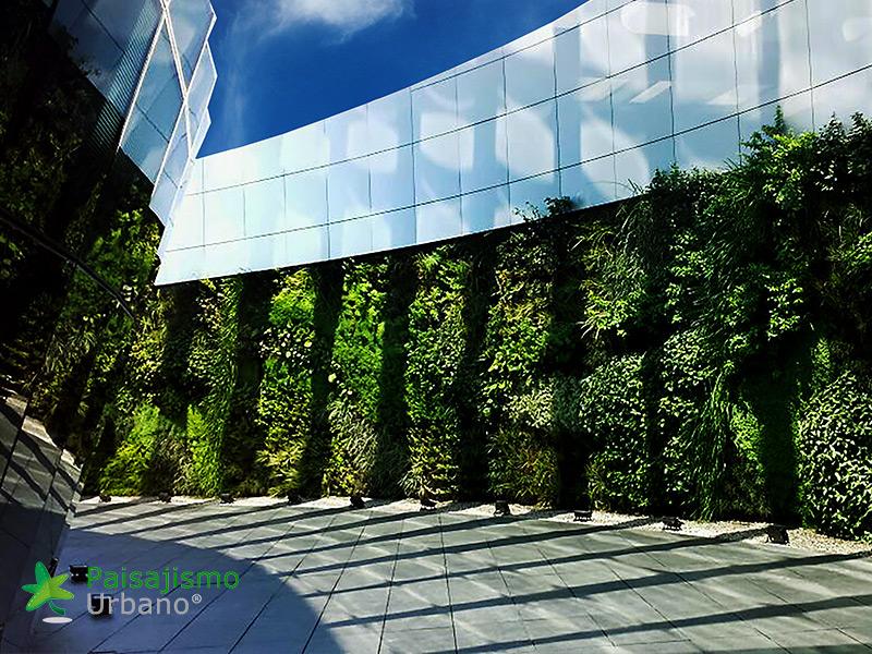 img-jardines-verticales-edificio-celebra-uruguay-17