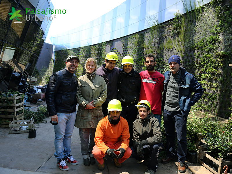 img-jardines-verticales-edificio-celebra-uruguay-19