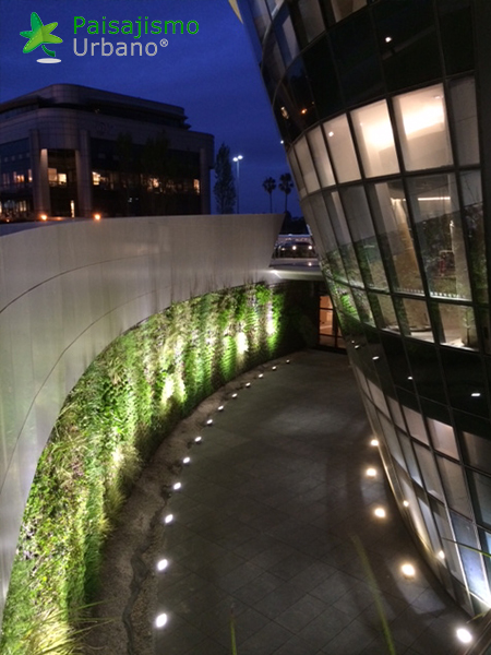 img-jardines-verticales-edificio-celebra-uruguay-21