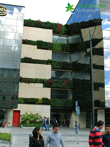 img-jardines-verticales-edificio-connecta-colombia-12
