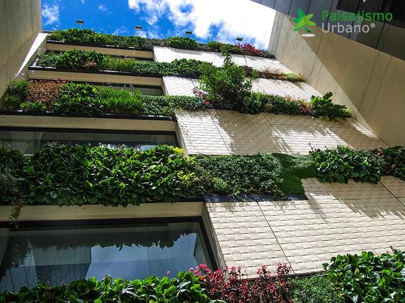 img-jardines-verticales-edificio-connecta-colombia-14
