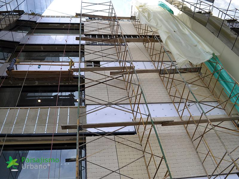img-jardines-verticales-edificio-connecta-colombia-3