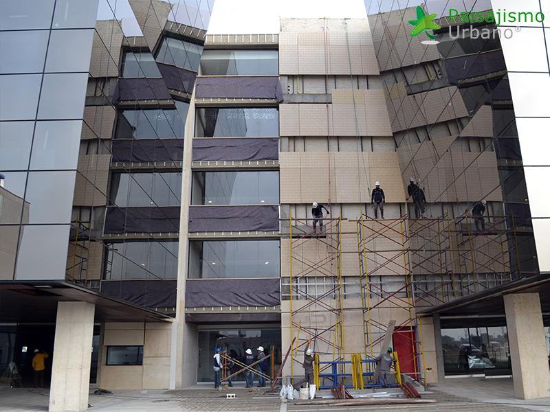 img-jardines-verticales-edificio-connecta-colombia-4