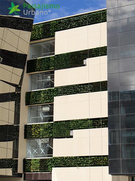 img-jardines-verticales-edificio-connecta-colombia-7