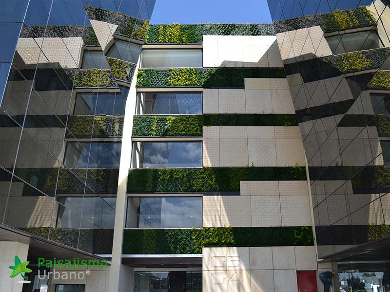 img-jardines-verticales-edificio-connecta-colombia-8
