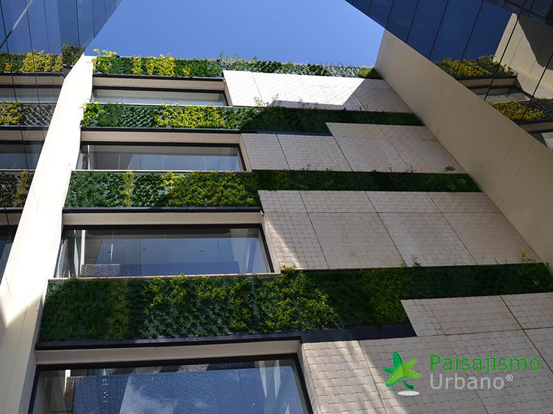 img-jardines-verticales-edificio-connecta-colombia-9