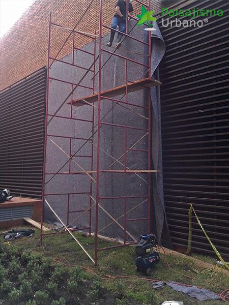 img-jardines-verticales-edificio-la-rioja-colombia-4