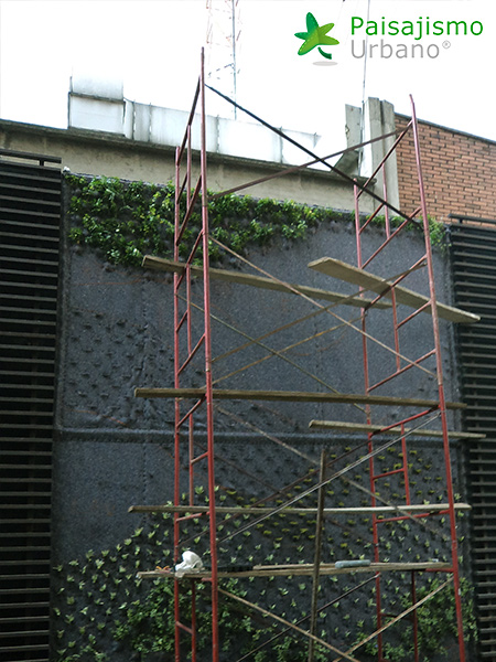 img-jardines-verticales-edificio-la-rioja-colombia-6