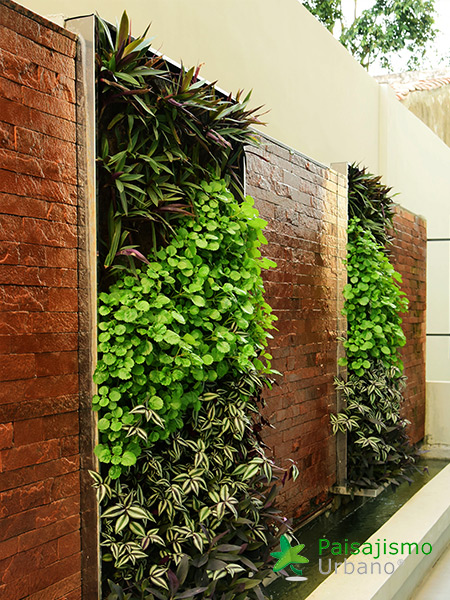 img-jardines-verticales-hotel-aloft-paraguay-4