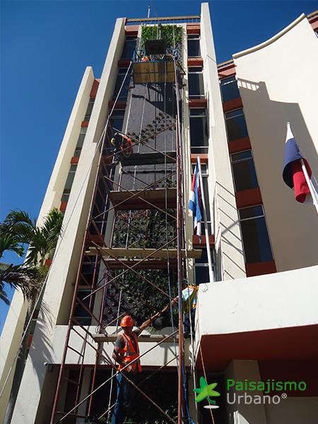img-jardines-verticales-hotel-porta-del-lago-guatemala-5