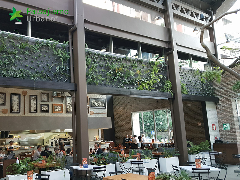 img-jardines-verticales-restaurante-san-martin-zona-10-guatemala-10_1