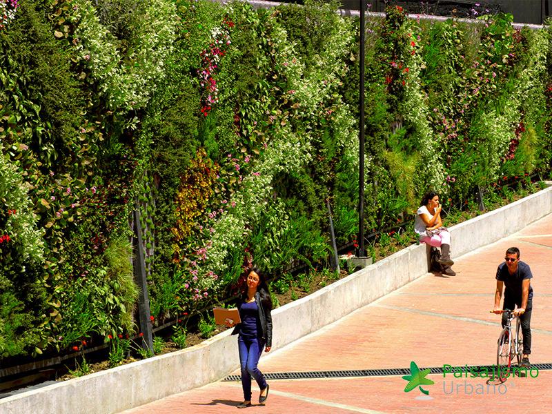 img-jardines-verticales-universidad-de-los-andes-colombia-8