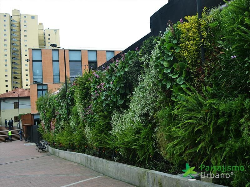 img-jardines-verticales-universidad-de-los-andes-colombia-9