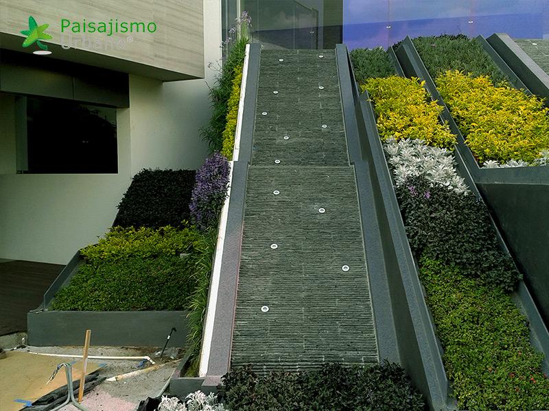 img-muros-verdes-residencia-morelia-mexico-25